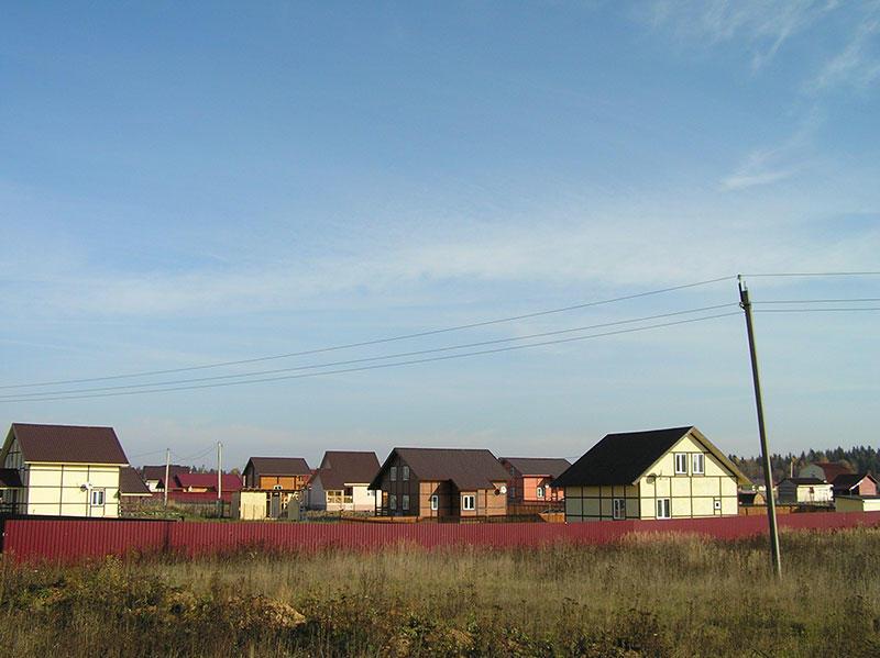 Коттеджный посёлок  «Рябинка» по адресу Московская обл, Александровский р-н, Иваньково д в 74.1км от МКАД предложения по цене от 450 000 руб.
